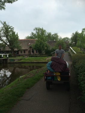 Giethoorn is not accessible by car, so we carted in our stuff and camped in the tent.