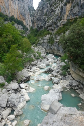 This is the Gorge du Verdon. But this is what it looked like where we canyoned.