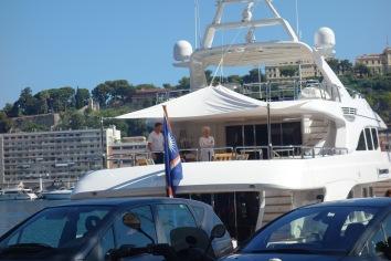 Fancypants people on even fancierpantsier boat