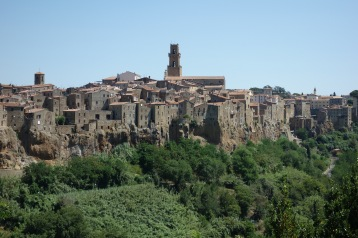 And, the first glorious view of Pitigliano. Can you see how it was dug into the rock, and the stones from the holes were used to construct up from there?