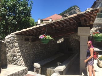 Annot had fountains fed by mountain springs scattered throughout the town.