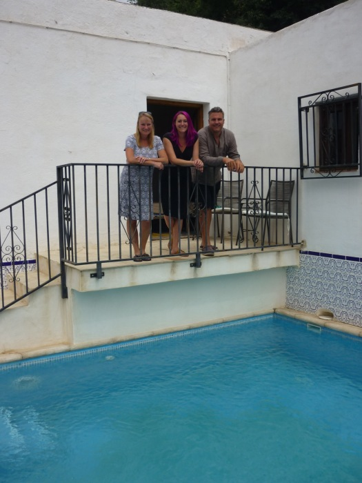 Nick and Louise have a pool!
