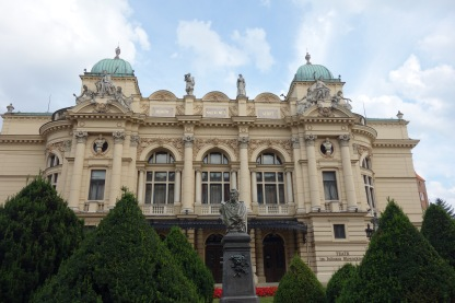 Lots of super pretty buildings in Krakow