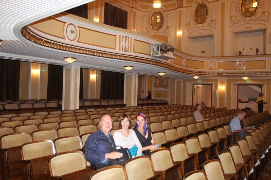 We went to see a concert in the Mozarteum in Salzburg! We were there crazy early, of course.