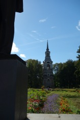 We guessed that this was a communist statue in Ostashkov, but there were no labels. The church spire situation, though, does not look particularly Soviet to me, am I wrong?