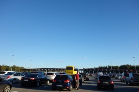 Lines for a toll road - it's the only one we've seen in Russia, perhaps they just need more practice.