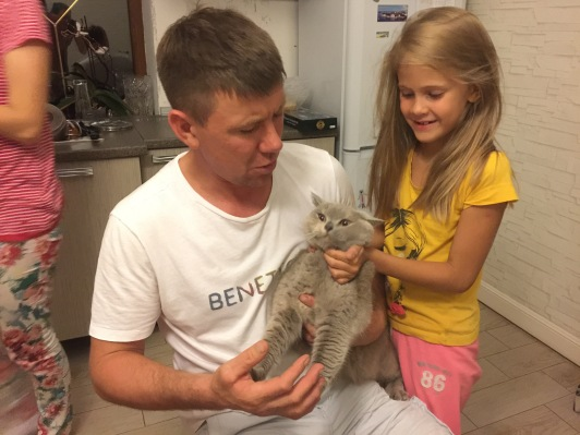 Andrei and Maria torture their cat, a time honoured tradition between cats and cat-owners worldwide.