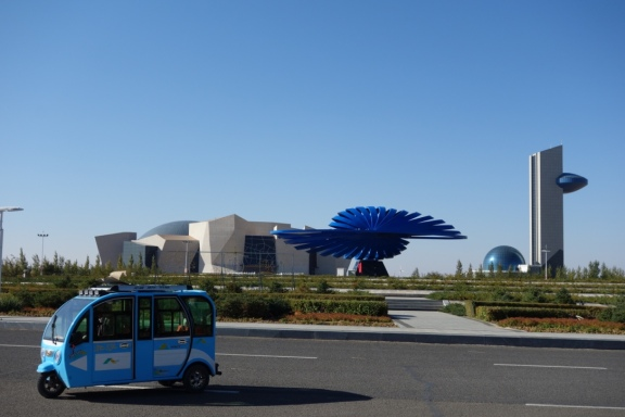 The brand new dinosaur museum in Erenhot. So new, it wasn't even open yet (to our surprise)