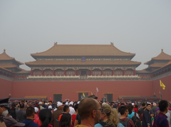 The throngs enter the Forbidden City