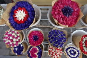 Neat dried flowers for sale