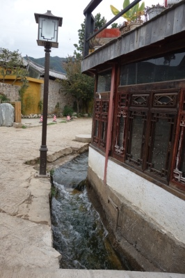 A canal in Baisha.