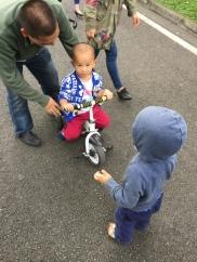Felix meeting a local kid