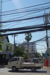 A very Vientiane scene. Note the jungle o'wires